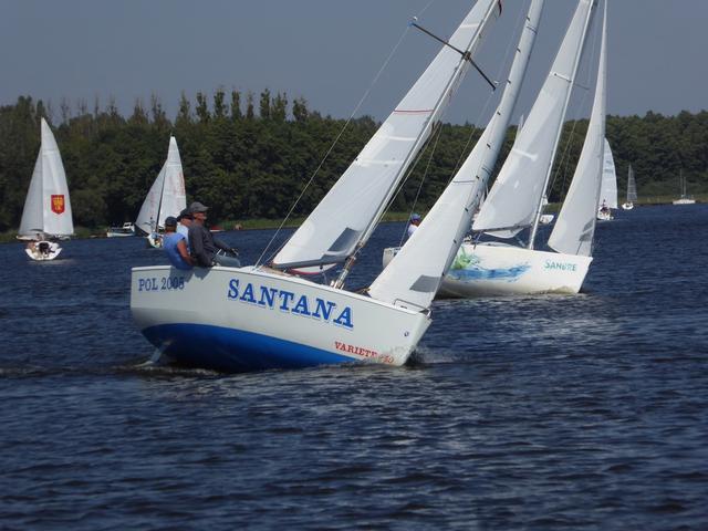 Jak zdobyć uprawnienia żeglarza jachtowego? Wszystkie stopnie w pigułce